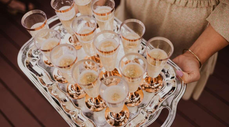 Czy alkohol źle wpływa na efekty treningów siłowych?